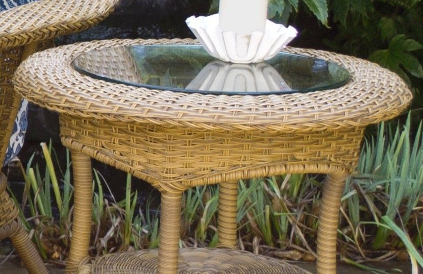 #122 - Outdoor Patio Garden Furniture Mojave Resin Wicker Side Table w/ Aluminum Frame