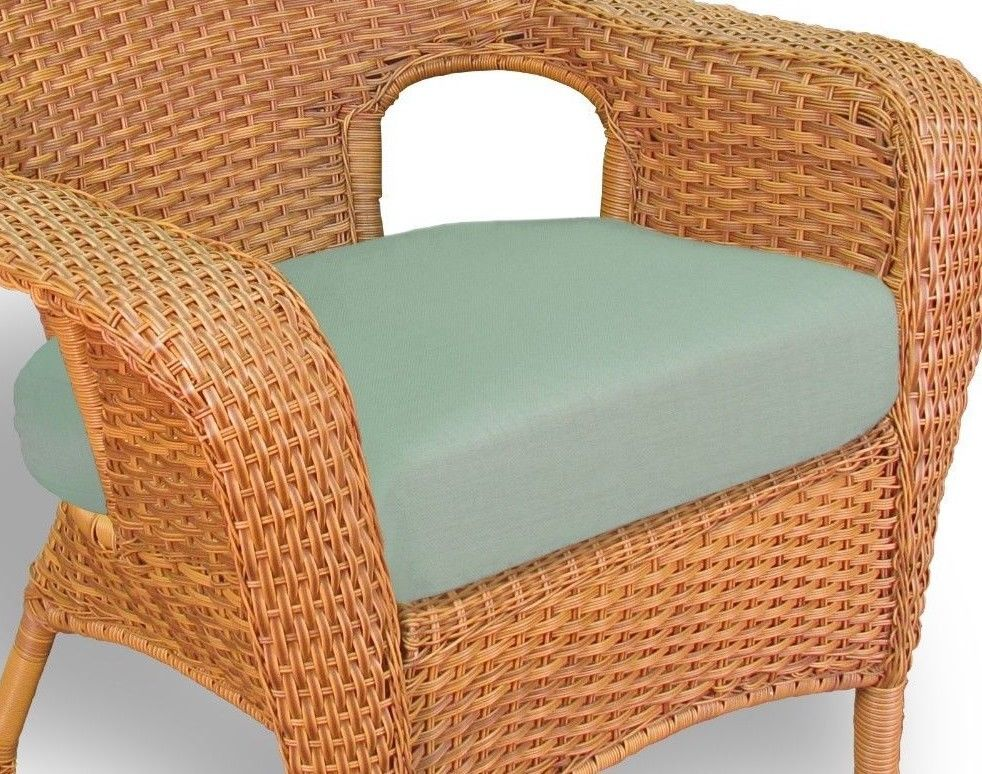 #148 - Outdoor Patio Garden Furniture Mojave Resin Wicker Dining Chair in Rave Spearmint