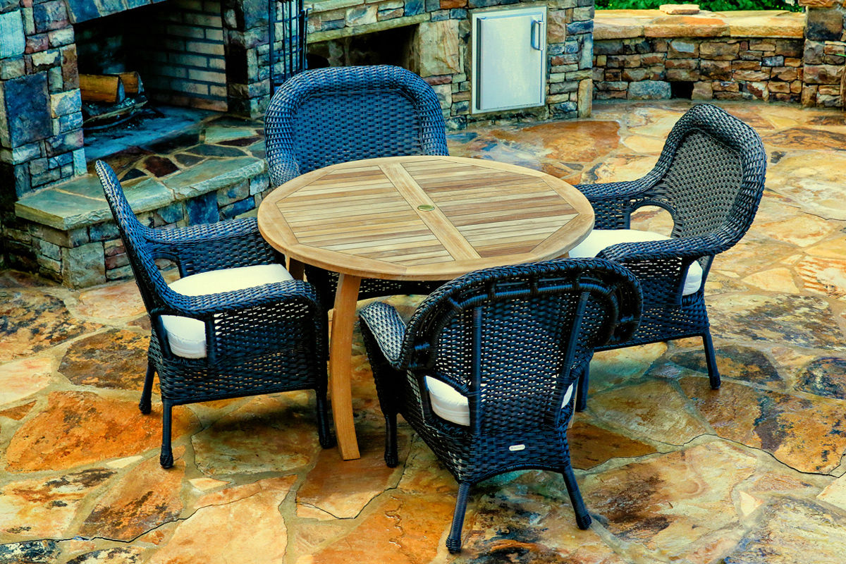 #177 - 5-Piece Outdoor Dining Set with Jakarta Teak Dining Table in Tortoise Wicker