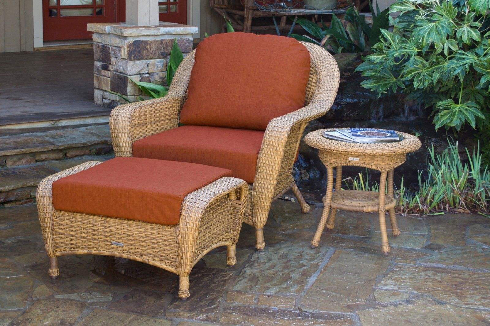 #97 - Outdoor Patio Furniture Mojave Resin Wicker Club Chair Ottoman & End Table in Rave Brick